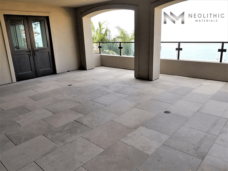 Reclaimed Dalle de Montresor Stone used in the flooring of an empty balcony