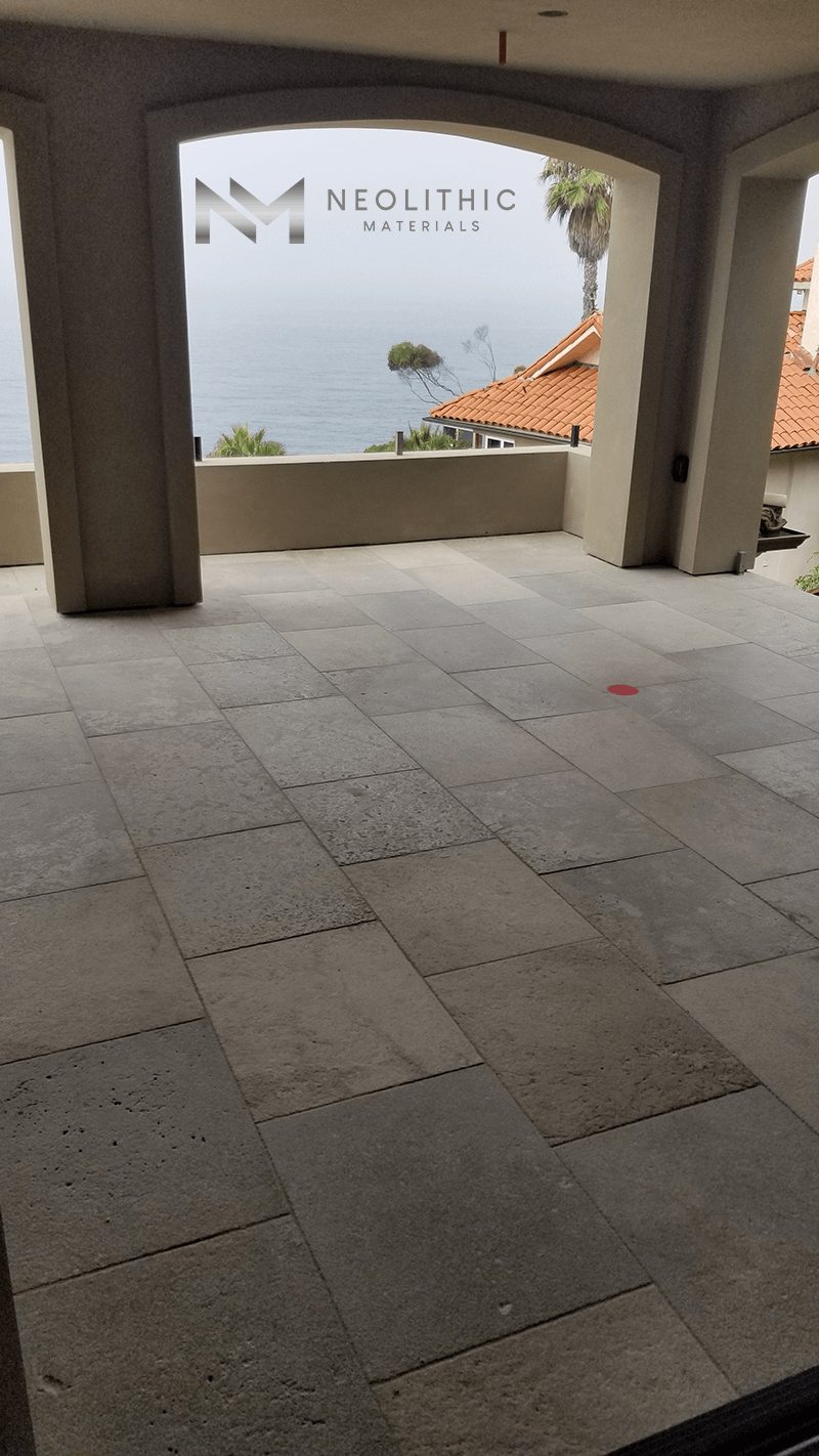Reclaimed Dalle de Montresor used in the flooring of a balcony