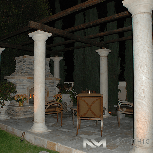 A night in the fireplace with outdoor columns that giving perfection to the night